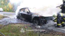 Autó lángolt az M7-esen
