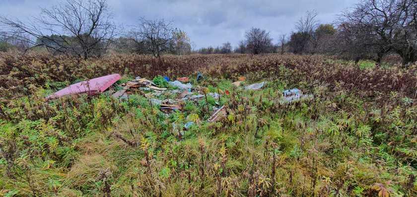ILlegális hulladéklerakók a somogyi erdőkben (fotók: SEFAG Zrt.)