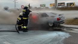 Kilencszer riasztották a hétvégén a tűzoltókat