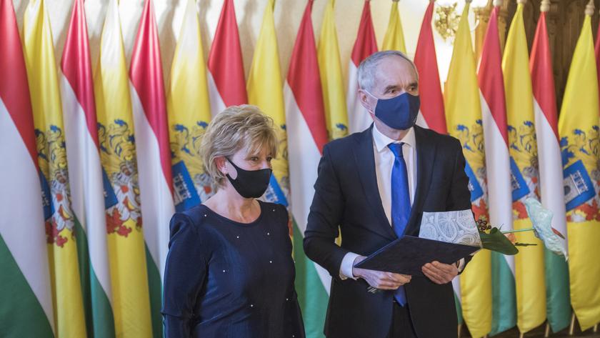 Buzásné Balogh Judit, a Polgármesteri Hivatal iktatója