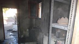 Tűz ütött ki egy cipészüzletben