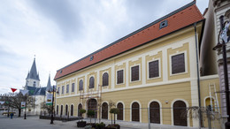 Fotókon a felújított Dorottya-ház