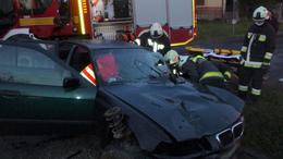 Hídfőnek ütközött egy autó a 68-ason