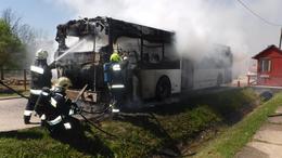 Autóbusz lángolt Simonfán