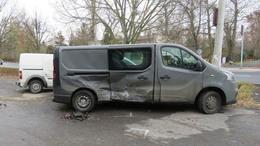 Bedrogozva összetört néhány autót