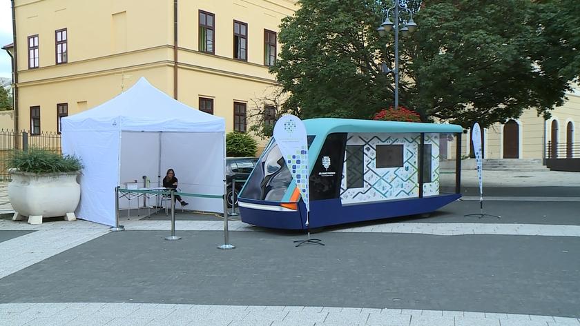 Interaktív kiállítás nyílt a Kossuth téren