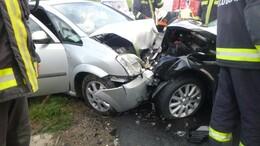 Két autó ütközött Várdánál