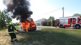 Lángoló autó, súlyos baleset