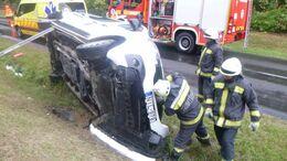 Kisbusz és kisteherautó ütközött a 6-oson