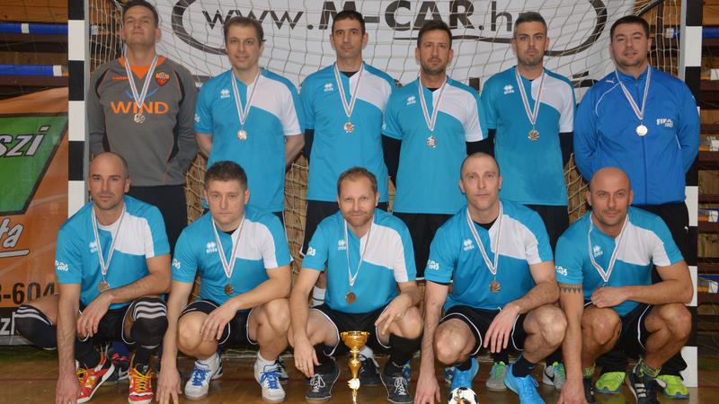 az ezüstérmes FIFA Kárpáti Kálmán FC