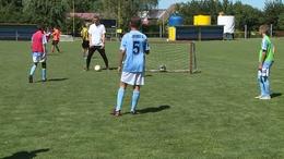 Táboroznak az ifjú focisták