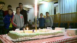 Mézgáék is születésnapoztak