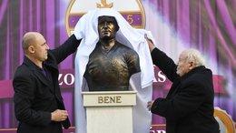 Szobrot kapott Bene Ferenc