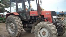 Traktor és régi motor az internet slágere